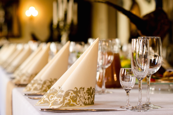 formal-event-table-setting